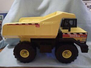 Vintage 1999 Metal Tonka Mighty 768 Truck Toy Hasbro