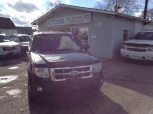 2009 Ford Escape XLT Fully Certified! No accidents!