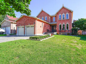 ♥♥ JUST LISTED - Fantastic Renovated Beauty in Ajax  ♥♥