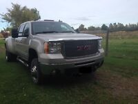 2007 4x4 GMC Sierra 3500HD W 9ft Fisher Plow(Quick Connect)