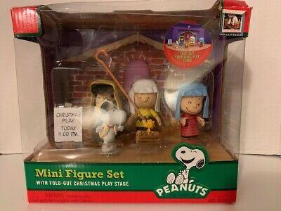 Peanuts Charlie Brown Nativity Mini Figure Play Set Christmas Brand New