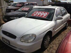 1998 Hyundai Sonata  White Keysborough Greater Dandenong Preview