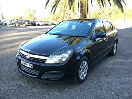 2007 holden astra ah cd grey automatic hatchback cars vans 2006 holden astra ah cd black automatic hatchback fandeluxe Images