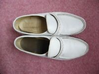 MENS WHITE MOCCASSIN SHOES
