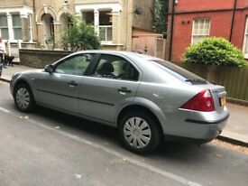 Silver Ford Mondeo LX 2004
