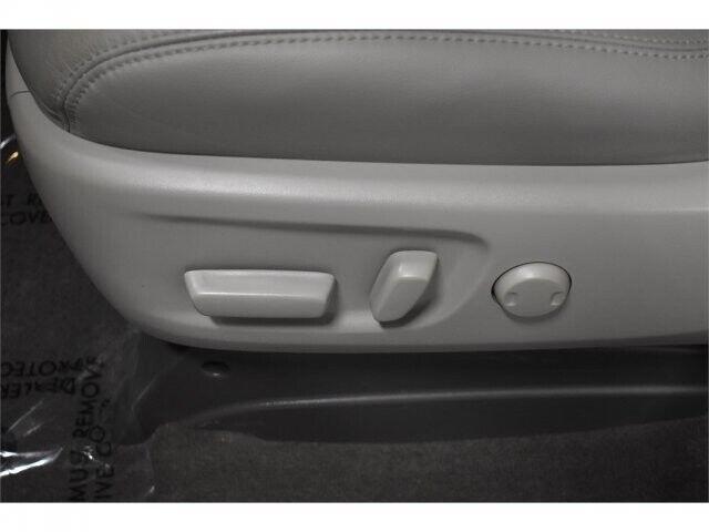 Image 6 Voiture Asiatique d'occasion Toyota Sienna 2017