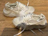 Nike huarache white size 3
