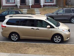 2012 Toyota Minivan