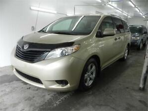 2011 Toyota Sienna, Cruise, Sept Passagers, Cinq Portes, Mags