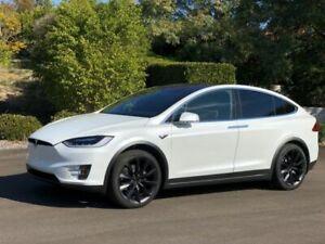 "2017 Tesla Model X 75D, 7 Seats, Autopilot, 22"" Wheels LOW KMs"