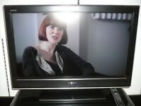 """SONY KDL32D3000 32"""" HD READY LCD TV, SECOND HAND, 6 MONTH WARRANTY. ALL IN GOOD WORKING ORDER."""