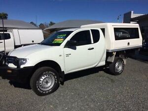 2011 Mitsubishi Triton MN MY11 GLX (4x4) White 5 Speed Manual Club C/Chas Gloucester Gloucester Area Preview