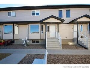 3 BEDROOM TOWNHOUSE IN REDCLIFF IN IMMACULATE CONDITION!