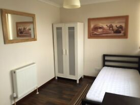 HATFIELD NEAR TOWN CENTRE PROFESSIONALS/STUDENTS STUDIOS FURNISHED ALL BILLS INCLUDED
