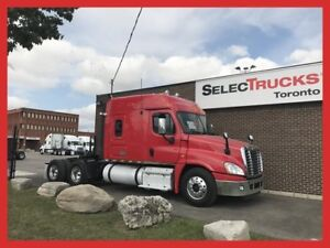2012 Freightliner Cascadia - MID ROOF