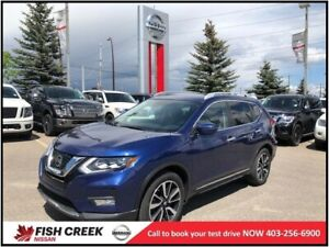 2017 Nissan Rogue SL LEATHER! NAVIGATION! PANORAMIC SUNROOF!