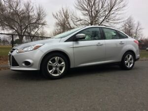 2013 Ford Focus SE- ONE OWNER- FACTORY WARRANTY-SUNROOF-