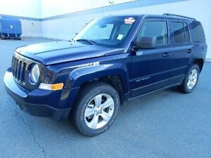 2015 JEEP PATRIOT WITH MOONROF AND BLUETOOTH 4x4