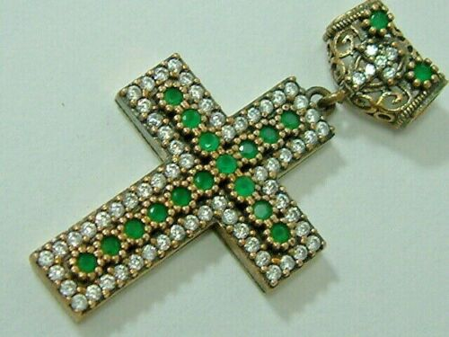 STUNNING VINTAGE LOOK SILVER EMERALD DIAMOND LOOK CROSS PENDANT