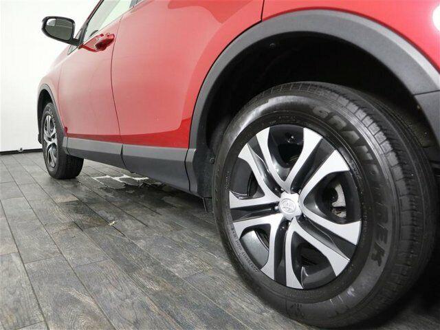 Image 11 Voiture American used Toyota RAV4 2017