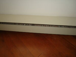 3 PLINTHES CHAUFFANTES - 3 ELECTRIC BASEBOARD HEATERS