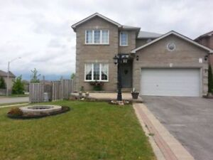 4 BEDROOMS; 2.5 BATH , SOUTH END BARRIE
