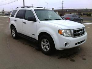FORD ESCAPE CHECK IT OUT BEFORE IT SELLS!! FINANCING AVAILABLE! Edmonton Edmonton Area image 2