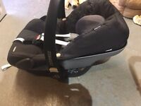 Maxi Cozi (Pebble) Car Seat - Excellent Condition, with hood