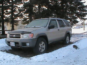 1999 Nissan Pathfinder for parts or repair