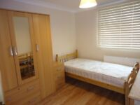 HENDON-NW4: Single room, clean, quiet, REFURB FLAT, NO BILLS, AVAILABLE Now, ZONE 3