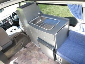 Toyota Hiace Camper – AUTO – SINGLE BEDS