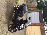 Peugeot Satellis RS, 125- 4v. 2010. Excellent condition.Recently registered in UK, bought in France