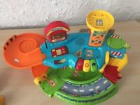 VTech Toot-Toot Drivers Garage + 7 Vehicles and 1 Lion Plus Extra Tracks