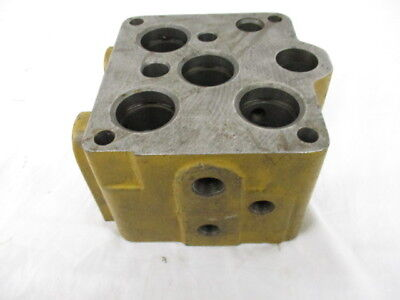 Minneapolis Moline Valve Housing For M5 5-star 11a10386
