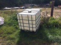 1000L WATER TANKS WITH STEEL CAGE