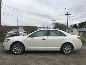 2012 Lincoln MKZ HYBRID/Sunroof, Leather, and much more !