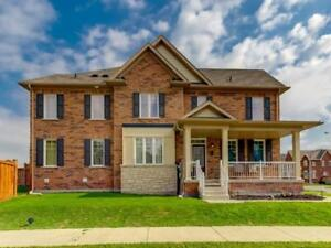 Spacious 4 Bdrm Town Home Gleaming Hardwood Floors *BOWMANVILLE*