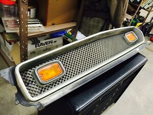 1973 1974 AMC Javelin front grille and park lights