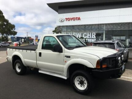 2002 Ford F250 XL White 5 Speed Manual Cab Chassis