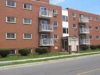 Steps to University, Awesome 2 BDRM, ALL INCLUSIVE