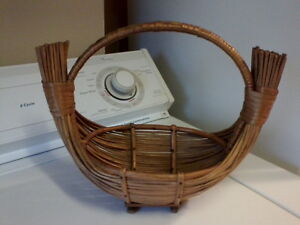 Group of 6 Vintage Baskets London Ontario image 3