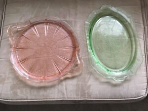REDUCED !!!!! DEPRESSION GLASS ** SEVERAL PIECES - 1 PRICE