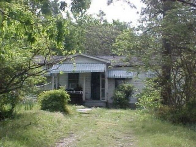 Helena Radial Drive, AR Home For Sale. SOLD AS IS - $3,000.00