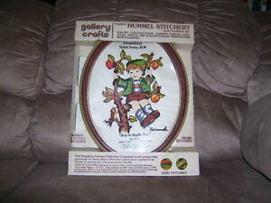 VINTAGE HUMMEL CREWEL EMBROIDERY KIT COMPLETE WITH FRAME NIP