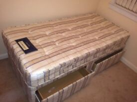 Single divan bed with 2 storage drawers AS NEW condition