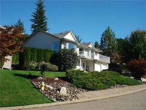 Gorgeous family home with magnificent views of town, lake & mtns