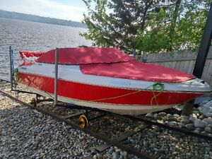 2011 Four Winns H180 with matching Factory Trailer