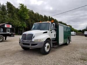 2007 IHC 4200 Re Built Engine Service Body Automatic