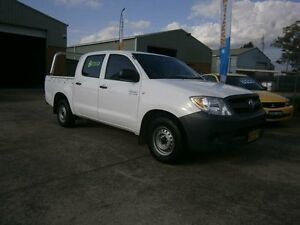 2005 Toyota Hilux TGN16R Workmate White 5 Speed Manual Dual Cab Pick-up South Windsor Hawkesbury Area Preview