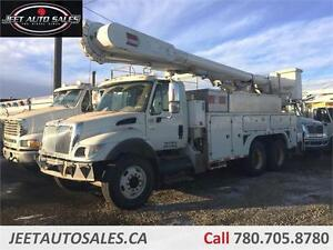 7500 HT570 Dual Bucket Lift, Air Ride, Service Body 8ft x 18ft W